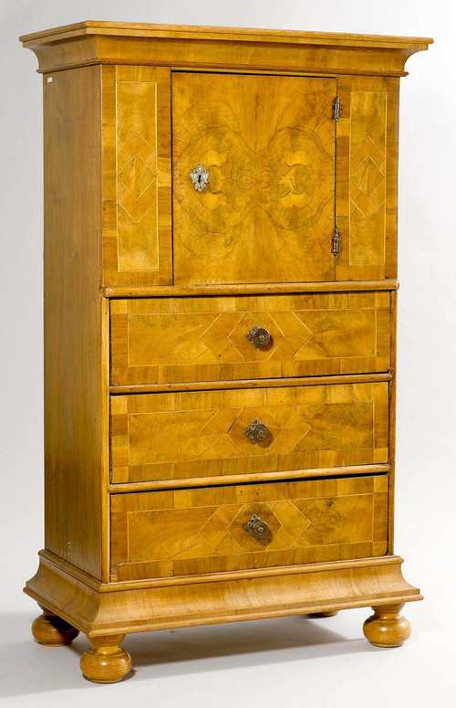 "WALNUT CABINET, so-called ""WINDELLADE "","