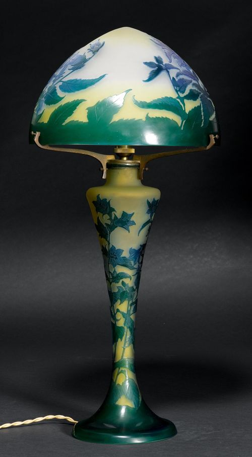 Emile Galle Tischlampe Um 1900 Gelbes Glas Blau Grün überf