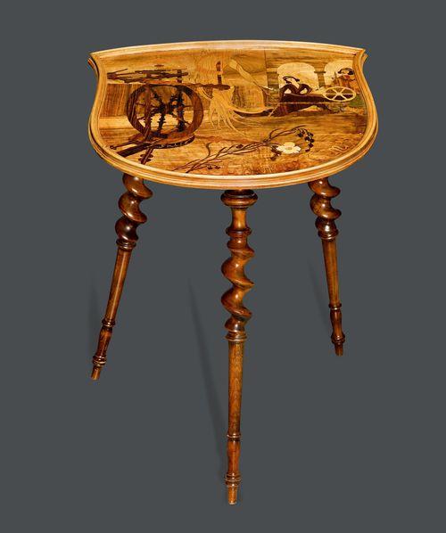 emile galle beistelltisch um 1920 nussbaum geschnitzt und e. Black Bedroom Furniture Sets. Home Design Ideas
