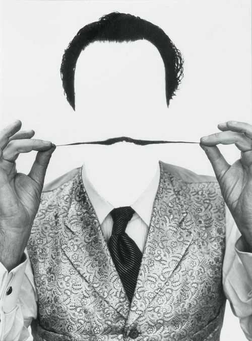 HALSMAN, PHILIPPE (Riga 1906 - 1979 New York) Salvador Dalì. Invisible Dalì. 1954/ 1981. Silver gelatin print. Verso with stamp: HALSMAN/DALI copyright Philippe Halsman 81 also numbered 154/ 250. 32.7 x 25 cm.