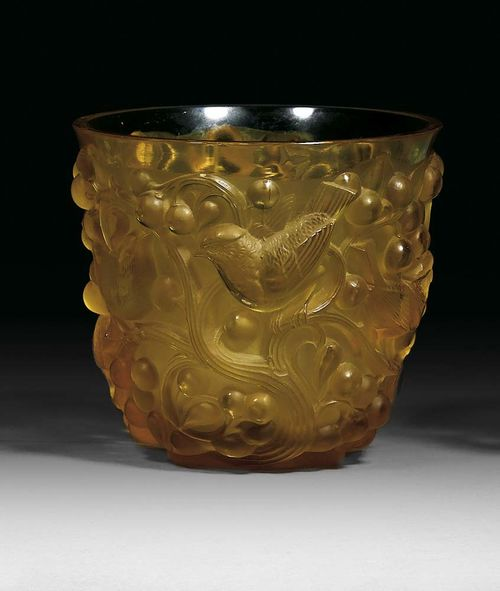 "VASE ""Avallon"", R. Lalique, ca. 1930."