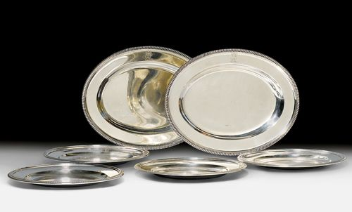 SET OF 16 SILVER PLATES AND 2 OVAL PLATTERS,