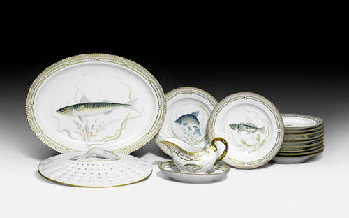 PIECES OF A 'FLORA DANICA' FISH SERVICE,