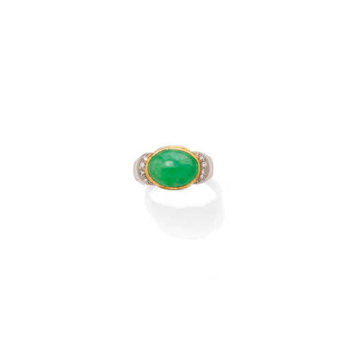 JADE AND DIAMOND RING.