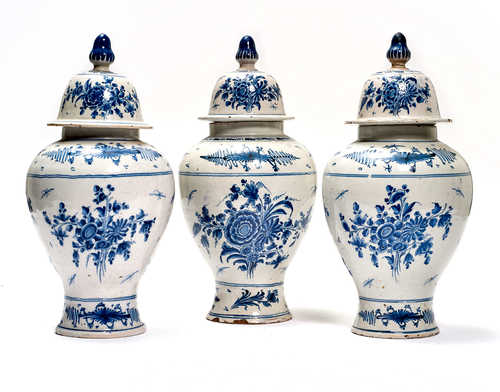 SERIES OF 3 LIDDED BALUSTER VASES,