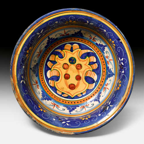 RARE MAIOLICA BOWL WITH THE MEDICI COAT OF ARMS,