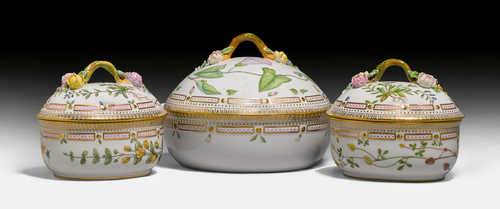 FLORA DANICA, 1 ROUND TUREEN AND COVER, 2 OVAL SUGAR BOXES,