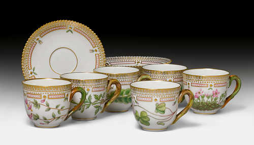 FLORA DANICA, 6 MOCHA CUPS AND SAUCERS,