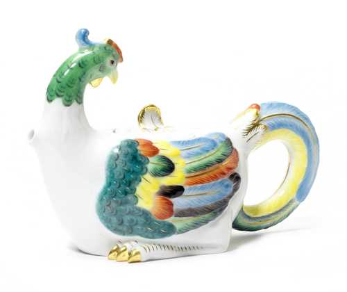 TEAPOT IN THE SHAPE OF A HEN