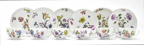 "LOT OF 6 TEACUPS AND SAUCERS DECORATED WITH ""MANIERBLUMEN"""