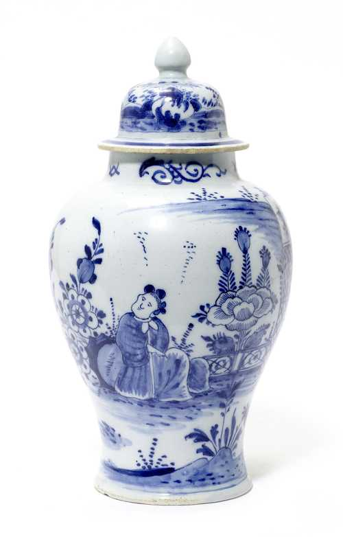 "FAIENCE VASE WITH ""WANLI"" DECORATION"