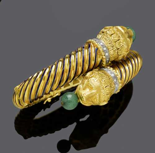 ENAMEL, AVENTURINE QUARTZ AND DIAMOND BANGLE, probably BY ZOLOTAS.