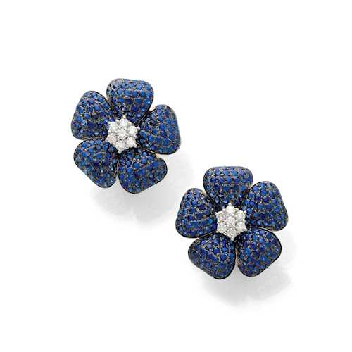 SAPPHIRE AND DIAMOND FLOWER EARCLIPS.