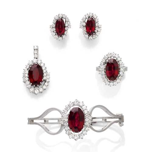 GARNET AND DIAMOND DEMIPARURE, ca. 1970.