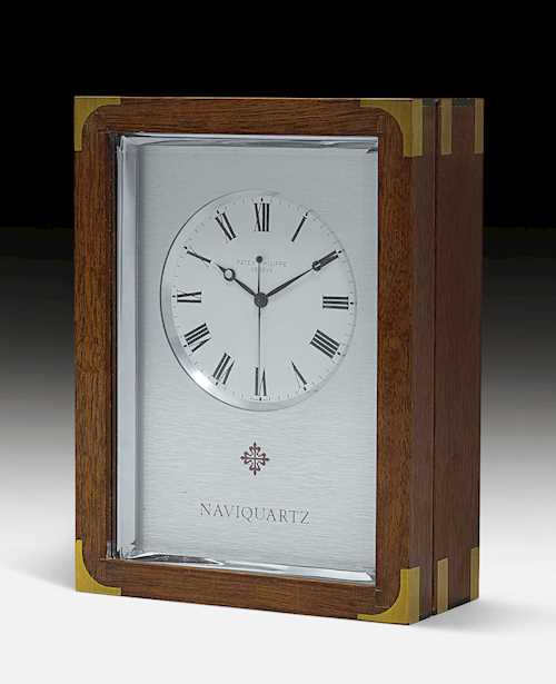 "TABLE CLOCK ""NAVIQUARZ"","