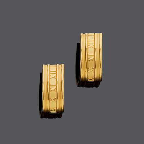 GOLD EARCLIPS, BY TIFFANY & Co.