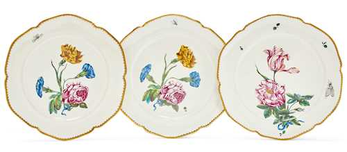 "SERIES OF THREE PLATES WITH ""FLEURS FINES"" PAINTWORK"
