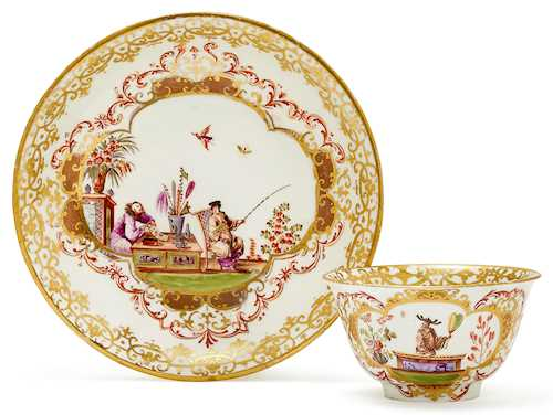 TEA BOWL AND SAUCER WITH CHINOISERIE DECORATION,
