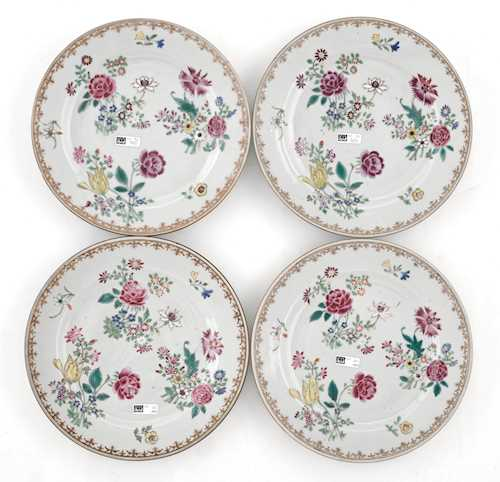 FOUR FAMILLE ROSE PLATES.