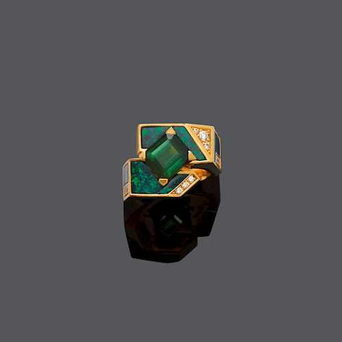 TOURMALINE, OPAL AND DIAMOND RING, ca. 1980.