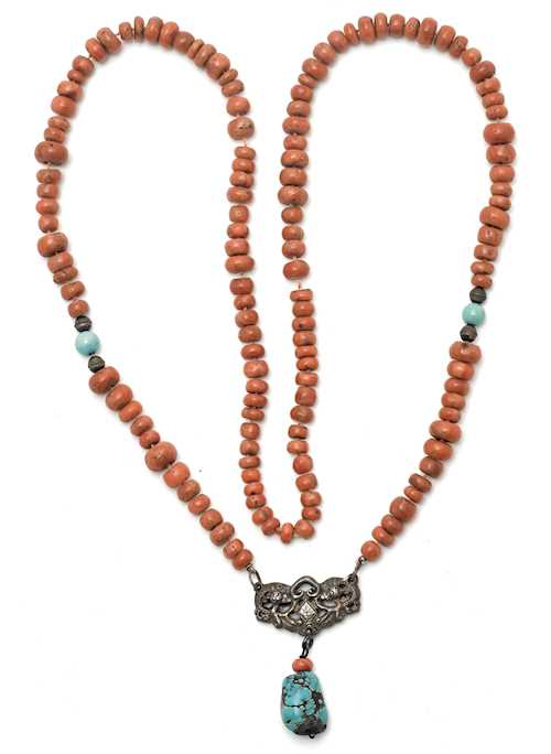 CORAL CHAIN WITH PENDANT.