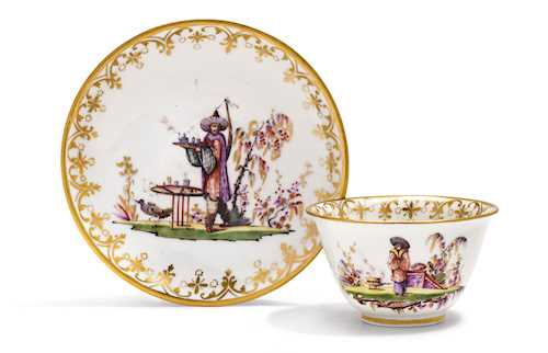 TEA BOWL AND SAUCER WITH CHINOISERIE DECORATION