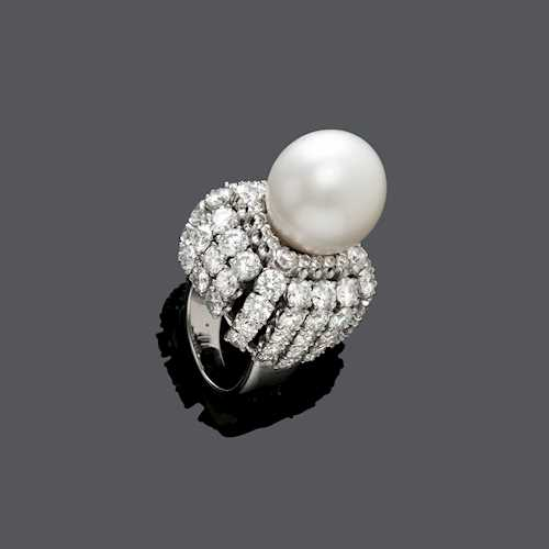 PEARL AND DIAMOND RING, BY WEBB, ca. 1970.