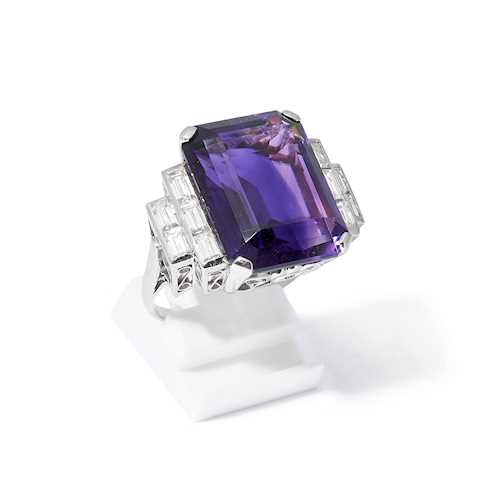 AMETHYST AND DIAMOND RING.