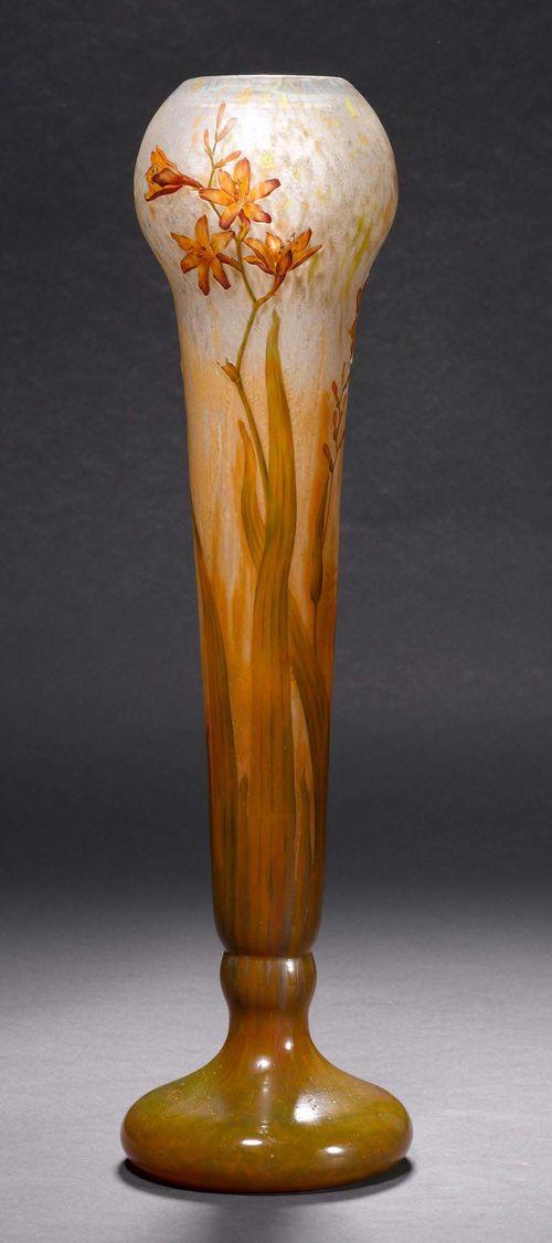 Daum nancy vase um 1900 weisses glas geatzt und emilliert for Wei es glas
