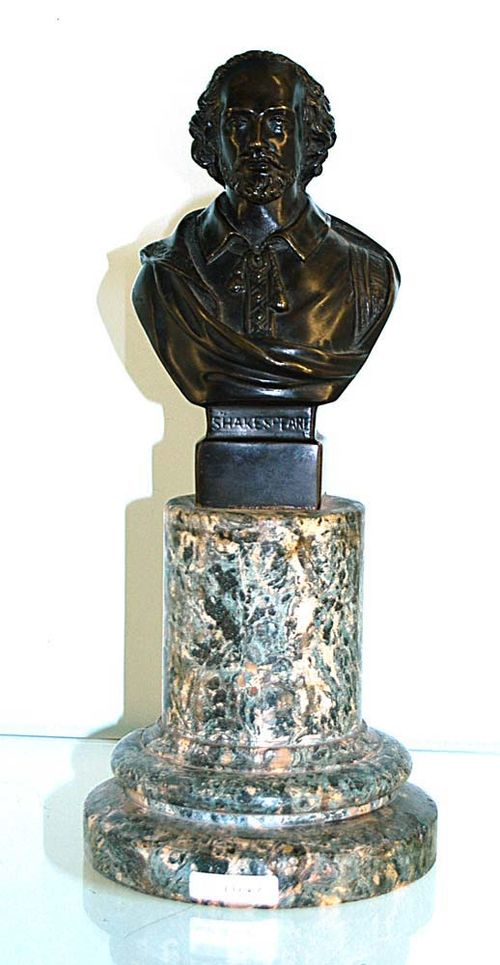 "BÜST OF SHAKESPEARE (William Shakespeare, 1564-1616), England, end of the  19th century Burnished bronze on shaped plinth with ""Vert de Mer"" pedestal. H 37 cm."