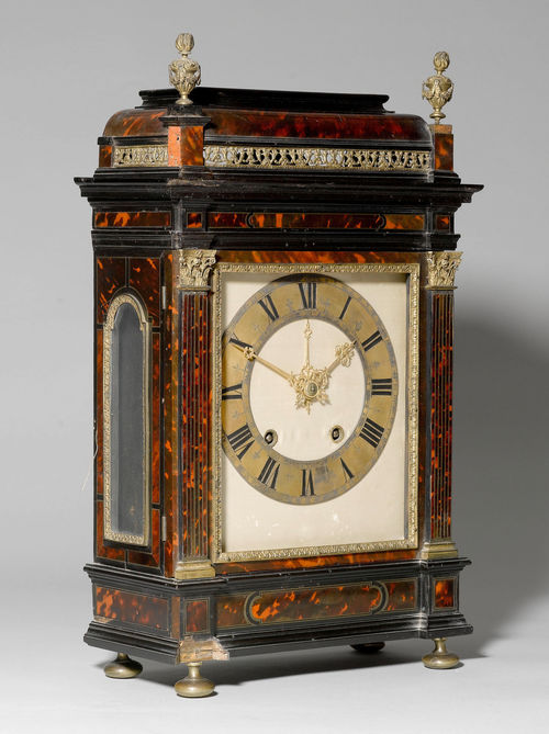KAMINPENDULE MIT BOULLE MARKETERIE,