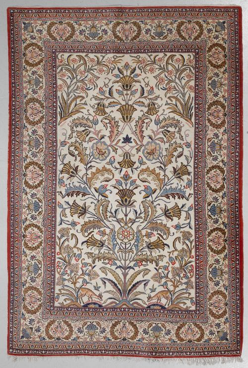 GHOM old.White ground, patterned with plant motifs, white edging with blossoms and palmettes, 165x265 cm.