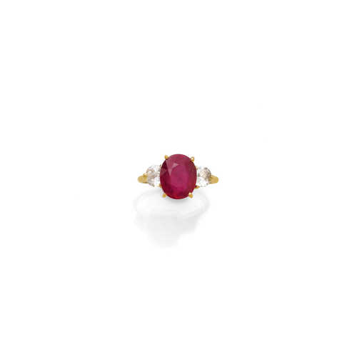 RUBY AND DIAMOND RING, ca. 1970.