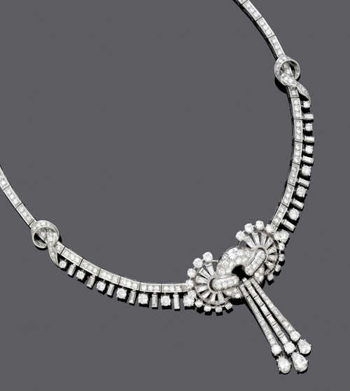 DIAMOND NECKLACE, ca. 1960.
