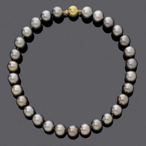 TAHITI PEARL NECKLACE.