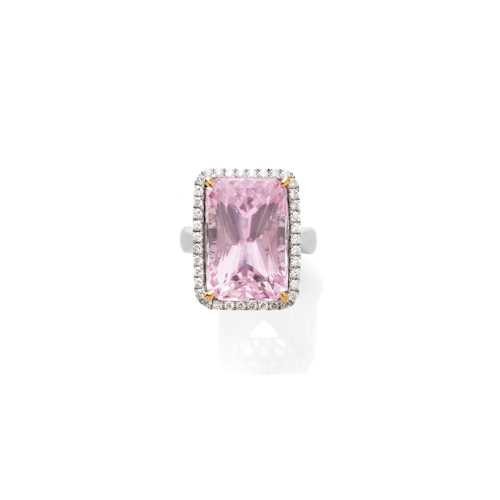 KUNZITE AND DIAMOND RING.