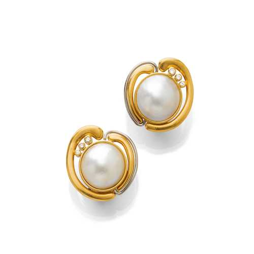 PEARL AND DIAMOND EARCLIPS.