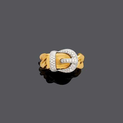 DIAMOND AND GOLD RING.