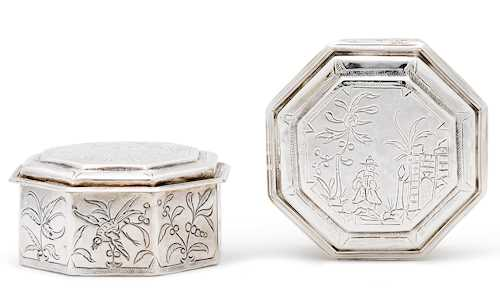 PAIR OF LIDDED BOXES WITH CHINOISERIE DECOR