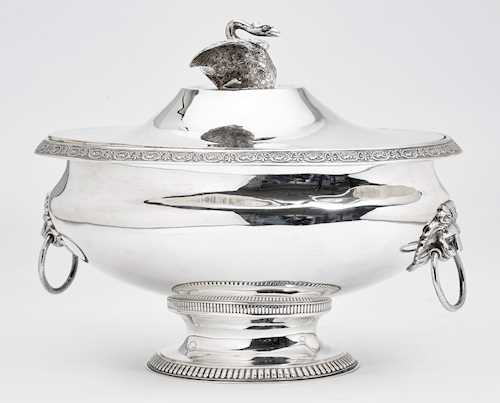 LARGE LIDDED TUREEN