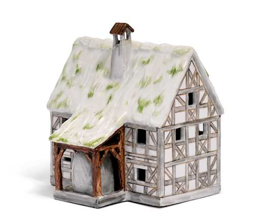 MODEL OF A FARMHOUSE WITH AN OVEN AND A DOGHOUSE
