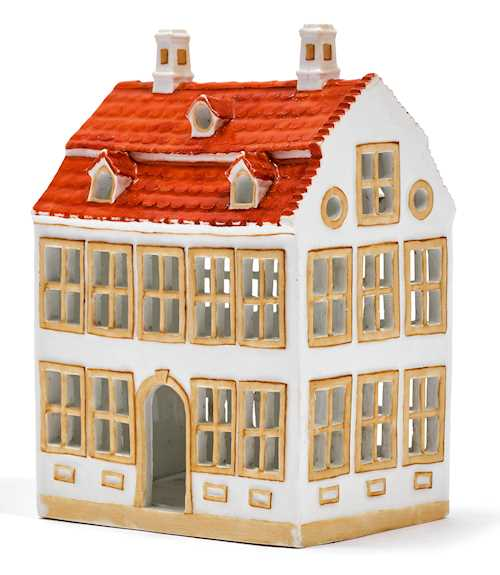 RARE MODEL OF A TOWNHOUSE
