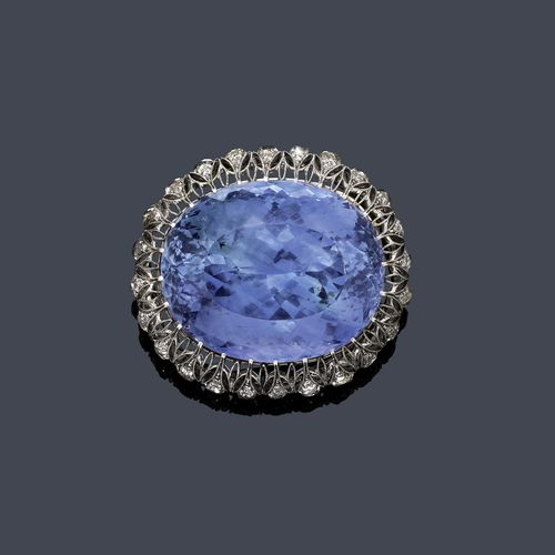 SAPPHIRE AND DIAMOND BROOCH, ca. 1910.