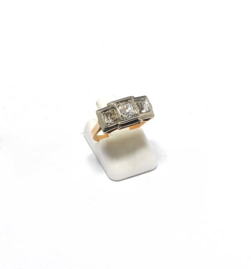 DIAMOND RING, ca. 1930. Yellow and white gold. Decorative ring, the top set with 3 old European cut diamonds weighing ca. 0.50 ct. Size ca. 52. With copy of insurance estimate, 1985.