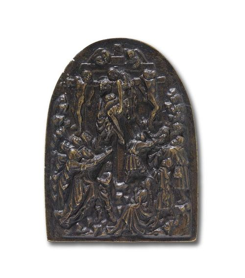 BRONZE PLAQUE, Renaissance, probably after MODERNO (Pseudonym of a goldsmith active in Italy end of 15th/beginning of 16th century), Italy circa 1530. Patinated bronze. Depicting the Descent from the Cross.  H 12.8 cm; W. 9.5 cm. Lit.: E.F. Bange, Die italienischen Bronzen der Renaissance und des Baroque, Berlin 1922; II, Reliefs und Plaketten, No. 434.