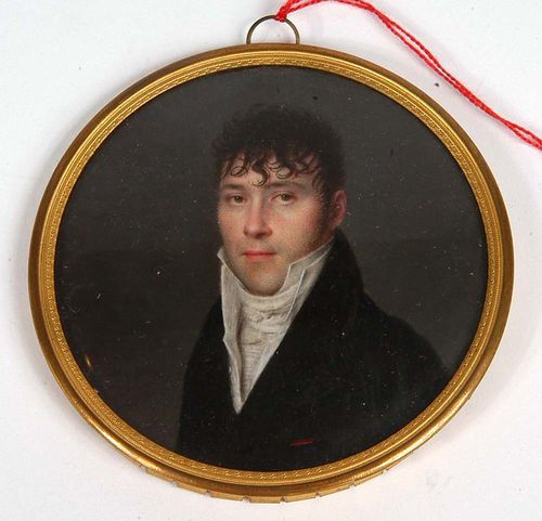 France. Signed Ferdinand Machera (1776 Dôle 1843), dated1809. Mixed media on ivory. Depicting young man in  black coat with tall white collar.  Ø 7.8 cm. In   gold ring. Provenance: Holzscheiter collection, Meilen.