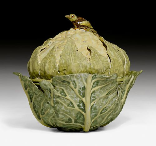 LIDDED TUREEN DESIGNED AS A CAULIFLOWER,