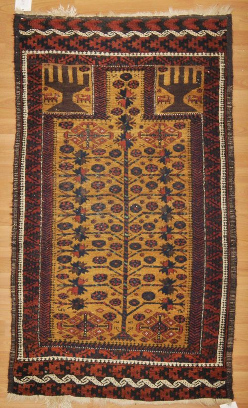BELUTCH antique. With a yellow Mihrab with tree of life and a rust red border. Good condition, 77x160 cm.