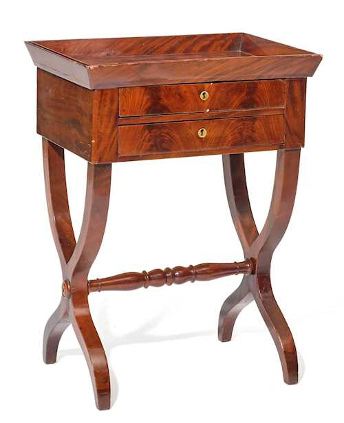 LADY'S WORK TABLE / GUERIDON