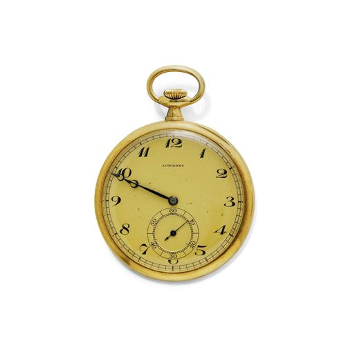 POCKET WATCH LONGINES WITH CHAIN, ca. 1920. Yellow gold 750, 61 and 22g. Polished case No. 3707644. Gold-coloured dial with black Arabic numerals, blue Breguet hands, small second at 6h. Lever escapement No. 3707644, Cal. 18.89M with Breguet spring, bimetallic balance and 1 screwed chaton. matching curb link chain, L 25 cm. D 48 mm. With original case.